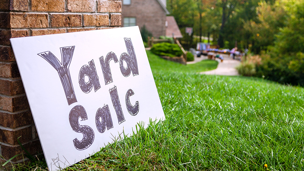 Spring Cleaning: Dos and Don'ts for a Successful Community Yard Sale